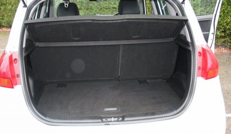 2011 Kia Venga 1.6 CRDi EcoDynamics 16v 3 5dr White full